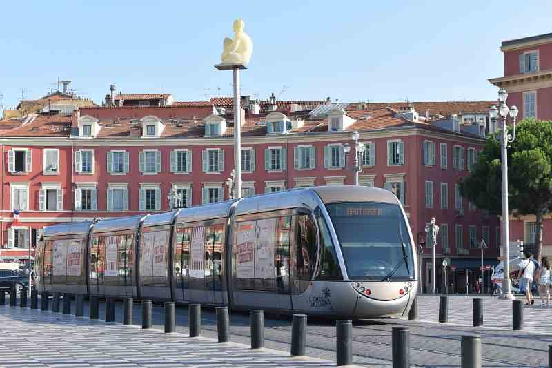 Transport options in Nice